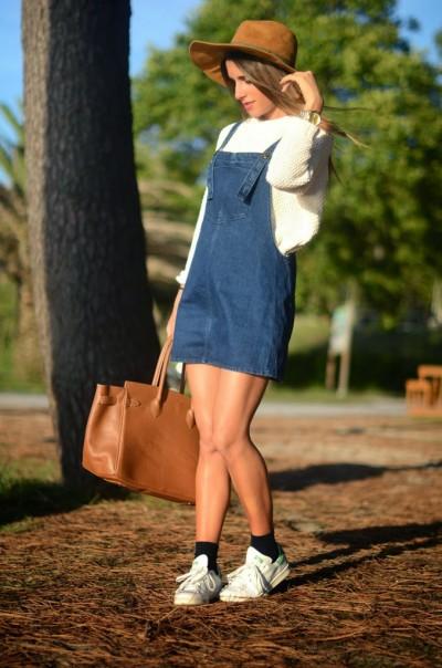 Как носить джинсовый сарафан?