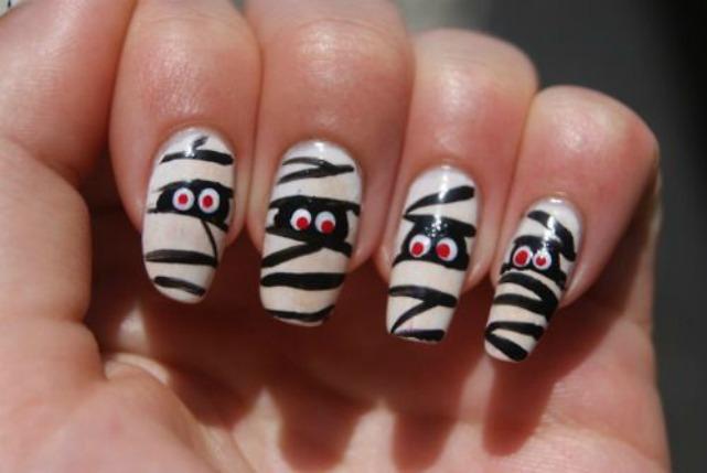 Мумии на ногтях