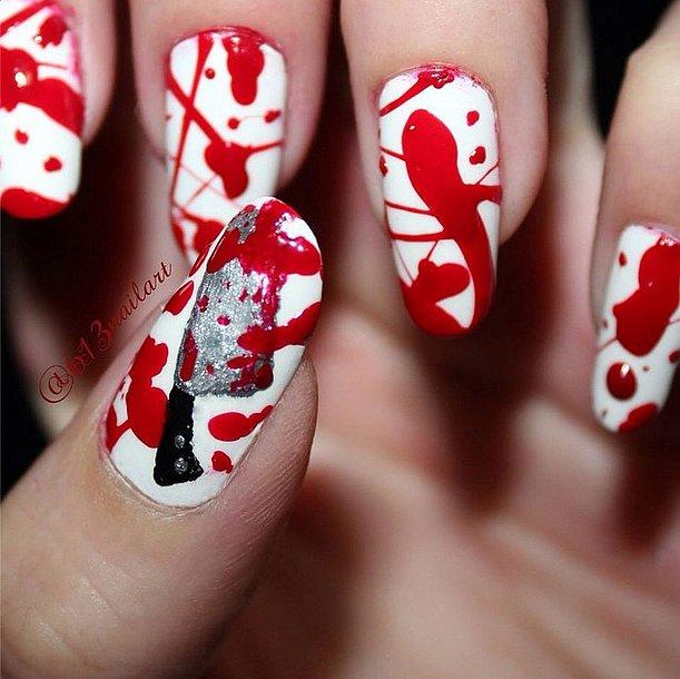 Кровавый маникюр на Хэллоуин