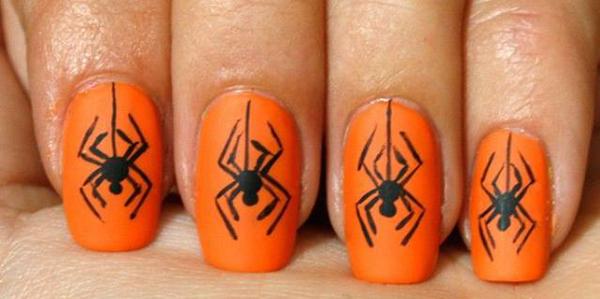 Маникюр с пауками