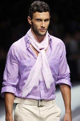 Шелковый шейный платок в мужском образе