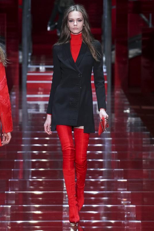 Красные кожаные сапоги-чулки