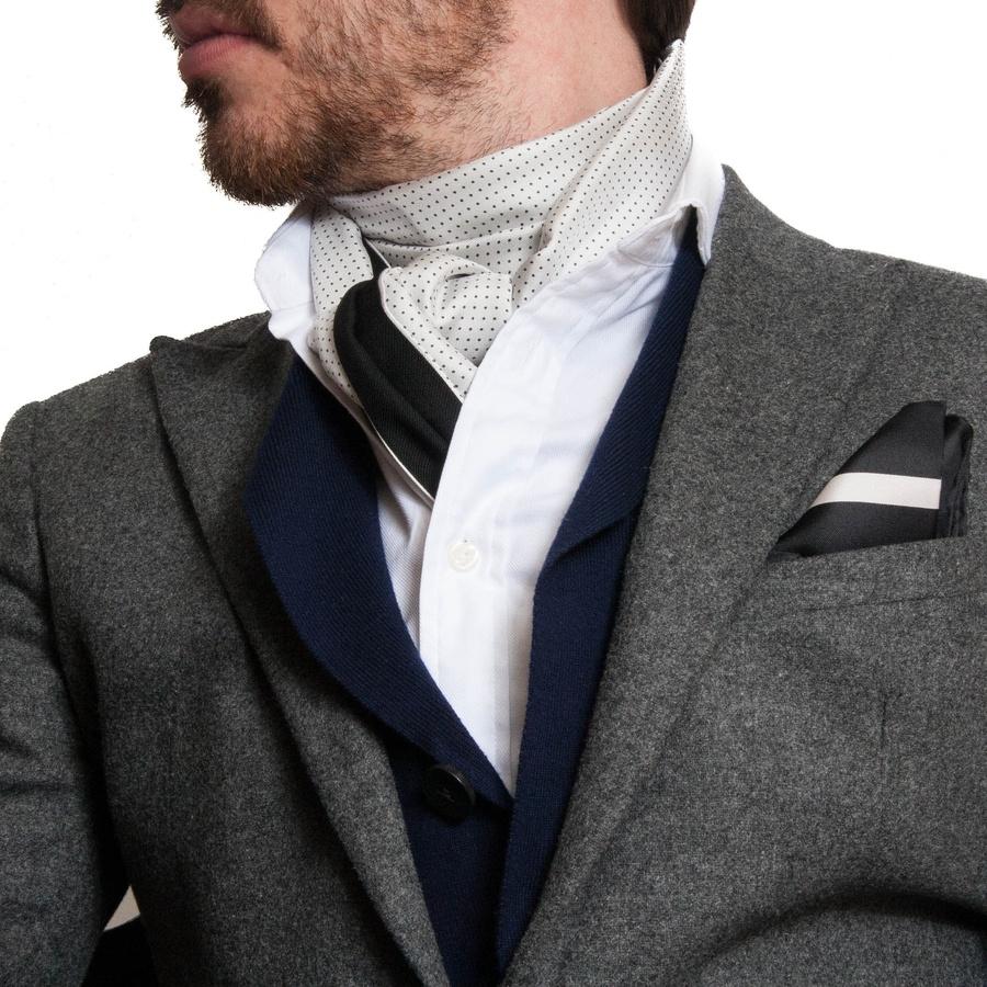 Ткань мужских шейных платков