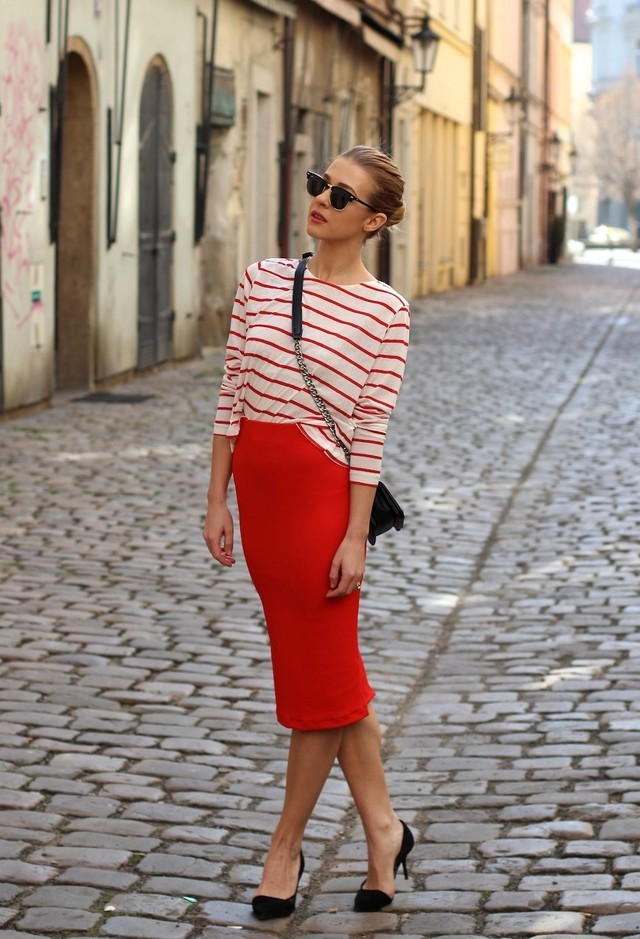 Красная юбка с верхом в полоску