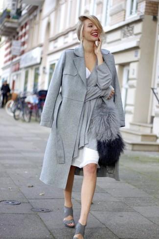 Пальто с сумкой из меха