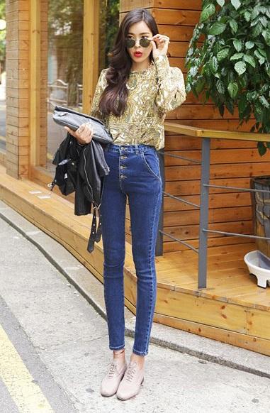 Как носить высокие джинсы с блузкой