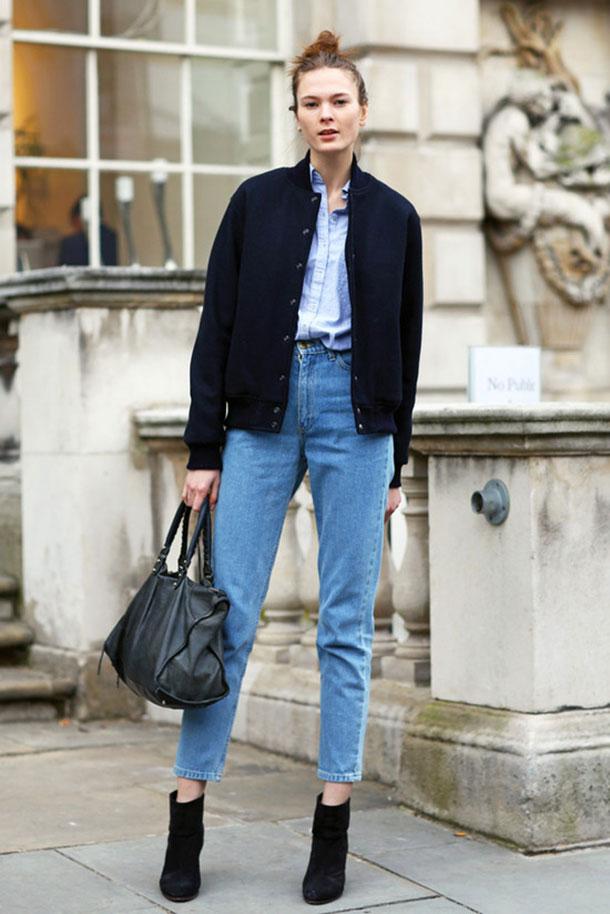 Куртка бомбер с высокими джинсами