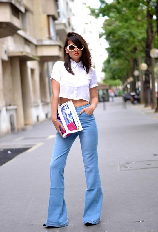 Завышенные джинсы и топ-рубашка