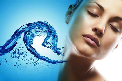 Как женская красота зависит от воды