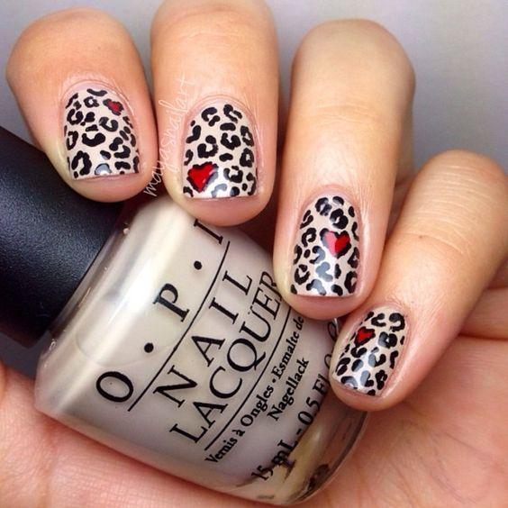 Леопардовый маникюр с сердцем