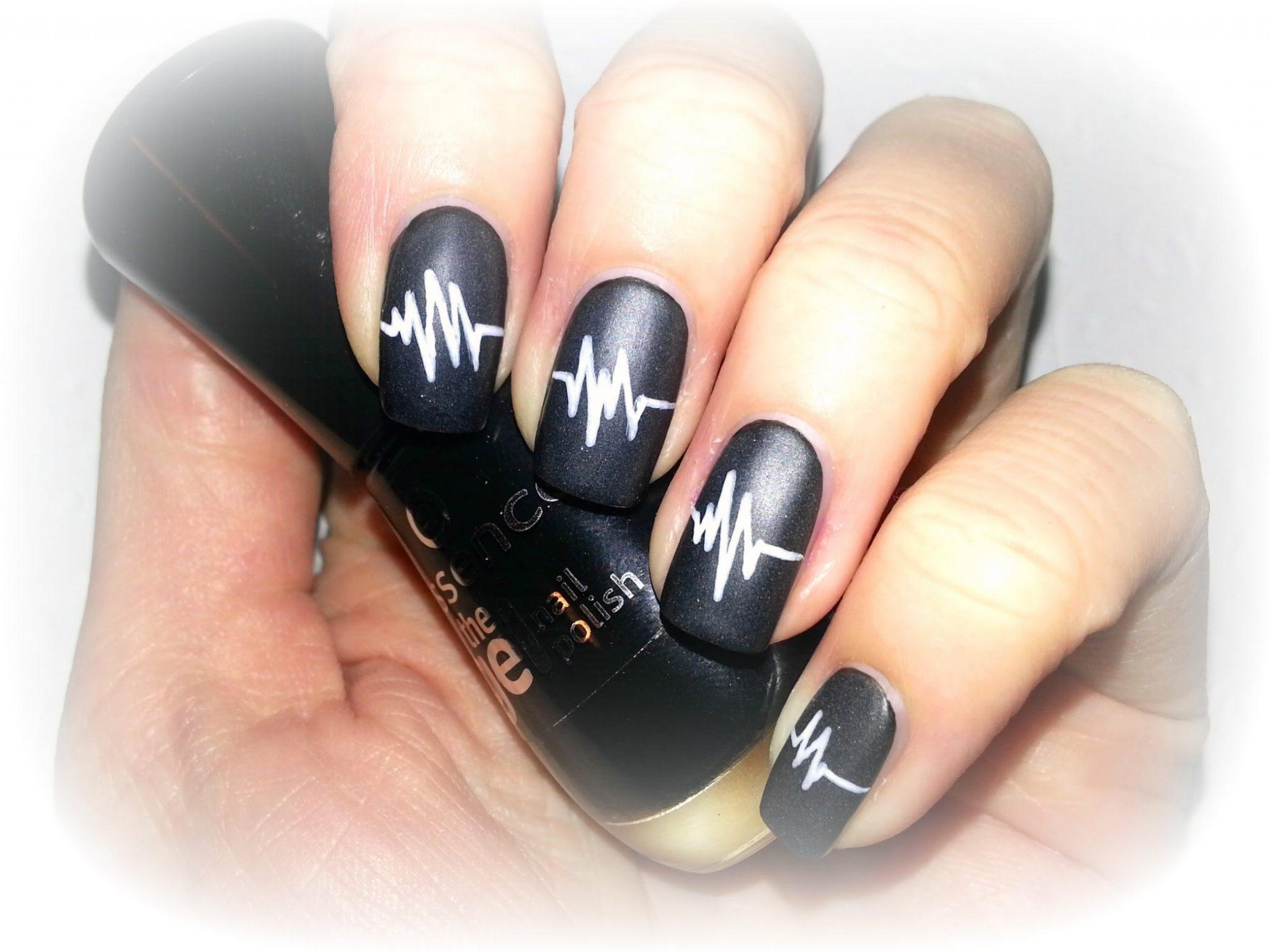 Черные ногти своими руками 95