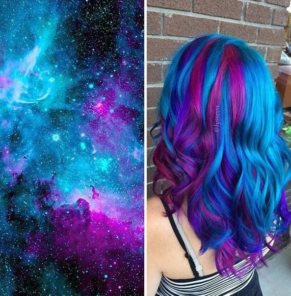 Синий цвет волос с фиолетовыми локонами