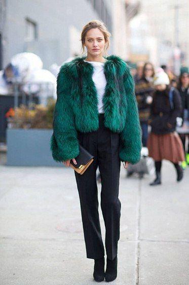 Зеленая полушубка с брюками