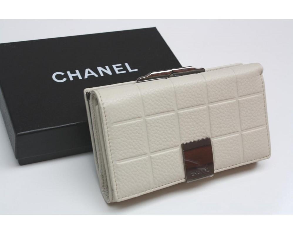 Кожаный кошелек Шанель