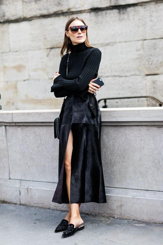 Черная юбка из вельвета