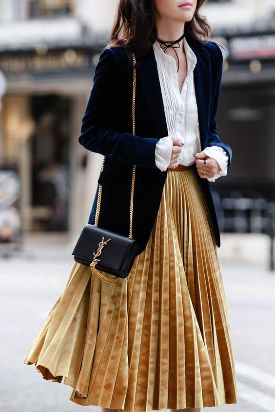 Золотая плиссированная юбка
