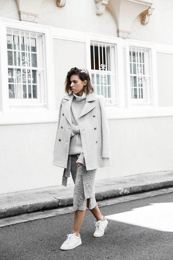 Как создать модный образ в серых тонах