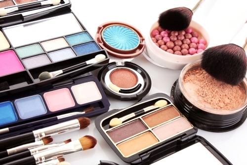 Как выбрать декоративную косметику для лица