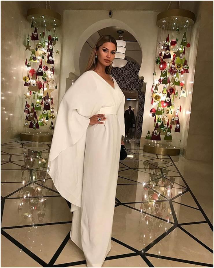 Виктория Боня в белом платье