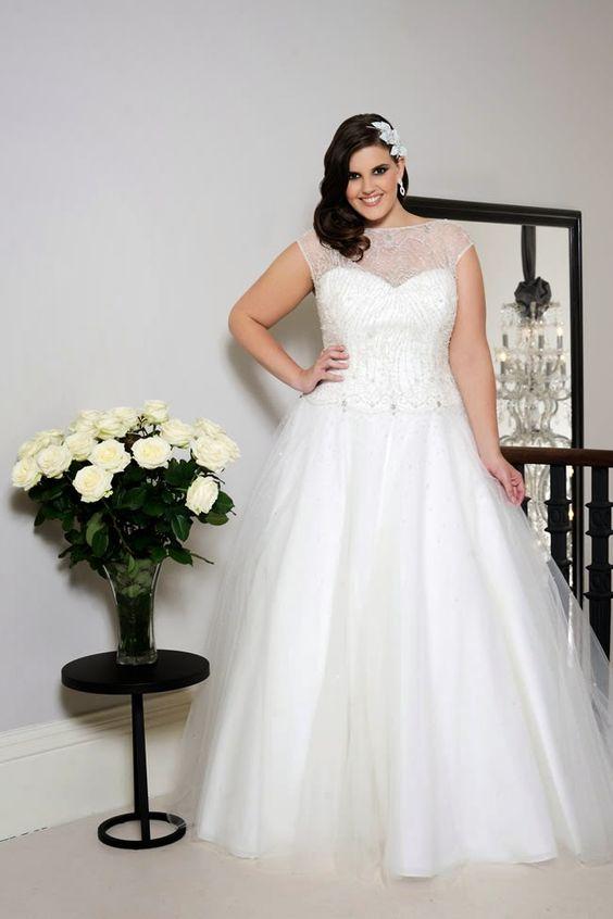 Свадебное платье с короткими рукавами большого размера