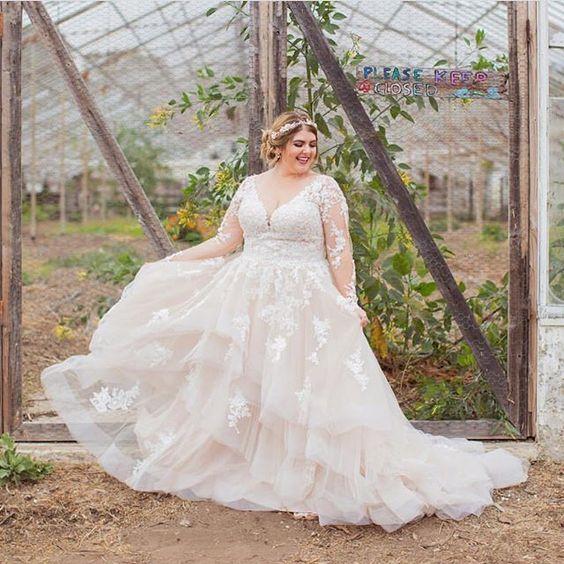 Пышное свадебное платье с длинными рукавами большого размера