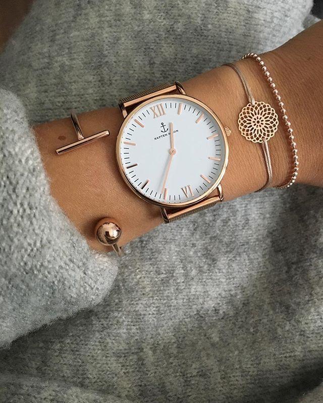 Часы с крупным циеферблатом