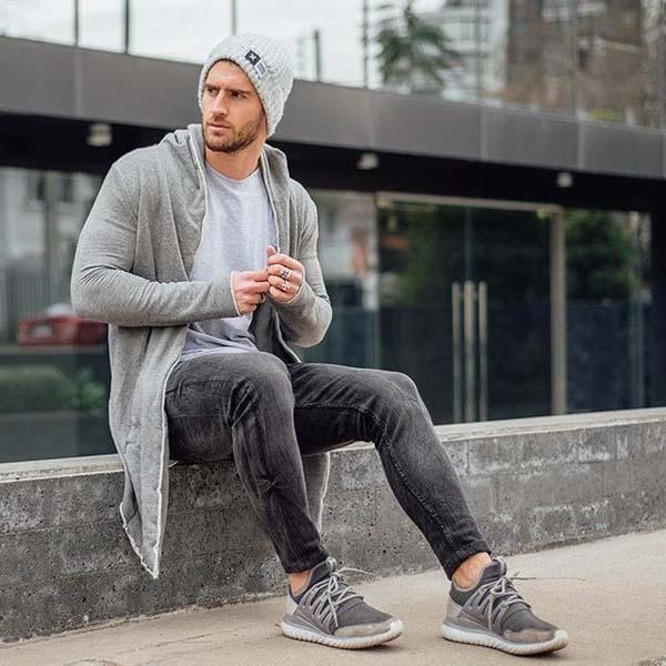 Серый образ с джинсами