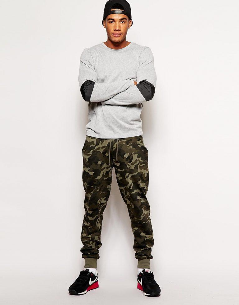 Мужской спортивный костюм со штанами хаки