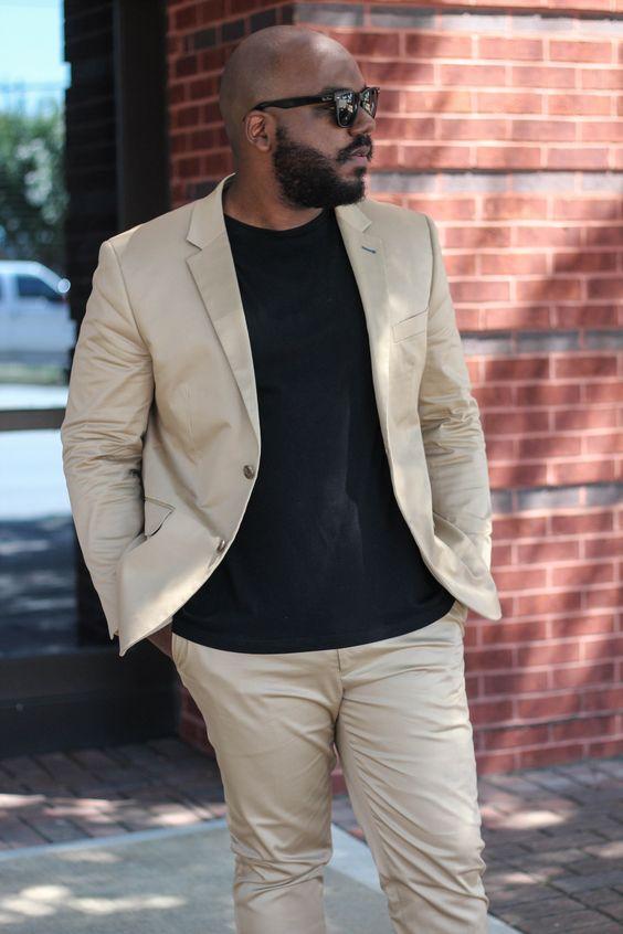 Как носить светлый костюм полному мужчине
