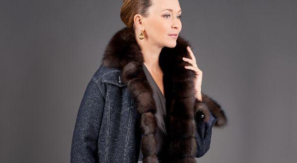 Джинсовая куртка с меховой отделкой