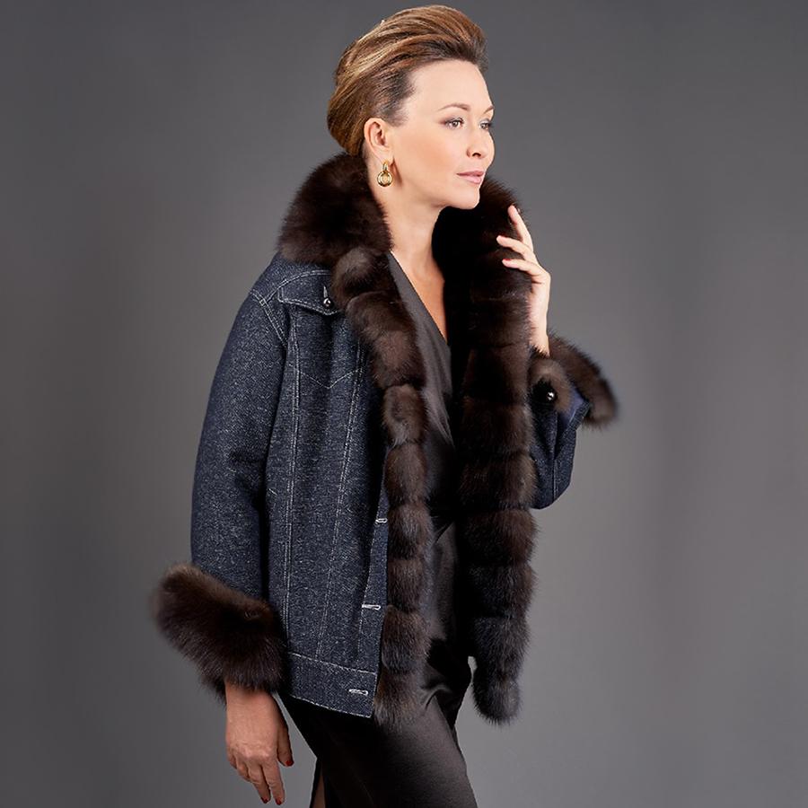 Женская куртка с мехомо соболя