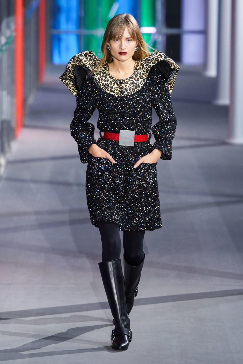 Платье с объемными плечами Louis Vuitton